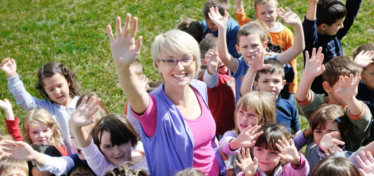 the buzz about teaching outdoors